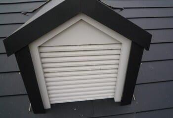 ドーマー付き屋根のカバー工法