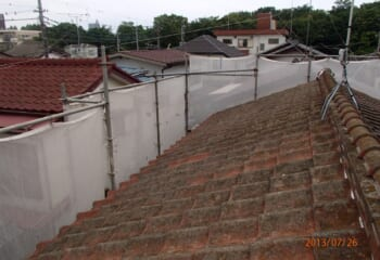 工事前のセメント瓦屋根