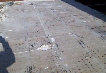 既存瓦棒屋根の撤去