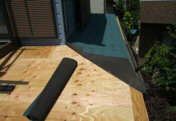 屋根の入隅部の仕舞い