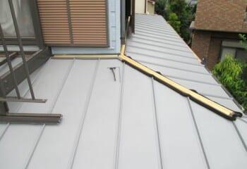 新規金属屋根材の施工