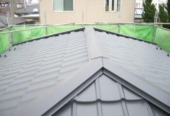 日本風ガルバリウム鋼板施工例1