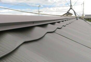 屋根材本体、棟板金取り付け