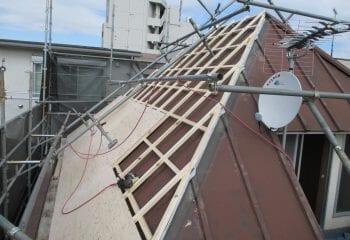 瓦棒屋根から金属屋根瓦へのカバー工法