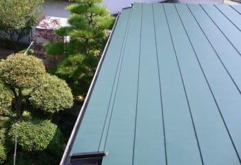 屋根カバー工法(ガルバリウム鋼板張り1)