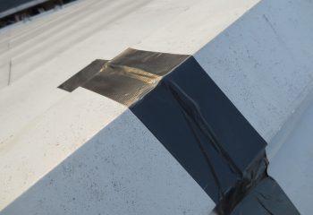 棟をテープで固定 DIY