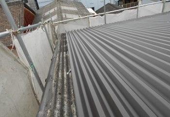ガルバリム鋼板によるカバー工法