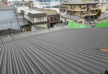 工場屋根の本体張り工事 完成