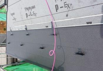 ガルバリウム鋼板 雪止め取り付け