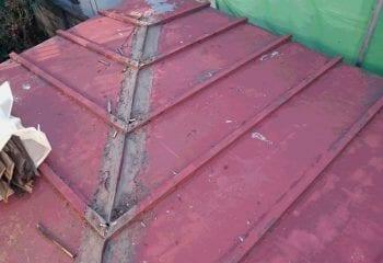蕨市 既存瓦棒屋根の棟撤去