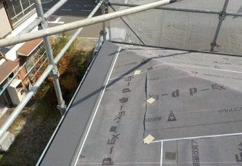 ガルバリウム鋼板屋根張り