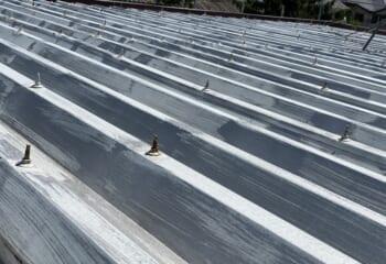 築後30年が過ぎた折板屋根