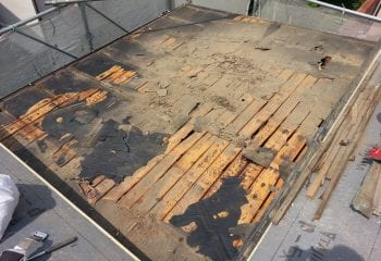 既存屋根の野地板