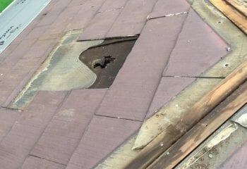 3.屋根の中心に換気口