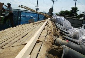 東大阪市葺き替え工事 日本瓦撤去