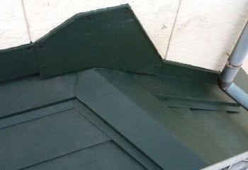 9.屋根本体張り 下屋根の施工