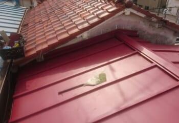 雨漏りトタン屋根の葺き替えリフォーム完成