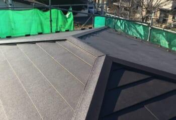 11.川崎市の低勾配屋根重ね葺き工事 完成