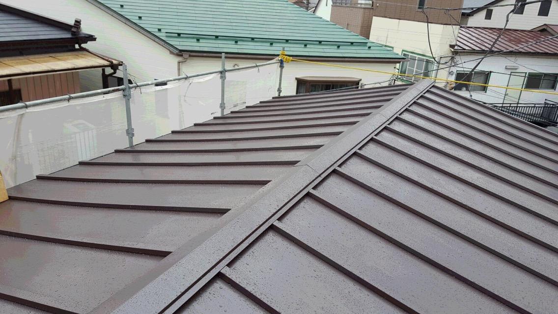 10.横浜市金沢区 トタン屋根の雨漏り改修工事完成