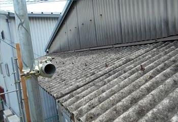 10.工場の屋根 下屋根のカバー工法