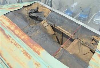 4.横浜市鶴見区 雨漏り屋根の修理工事開始