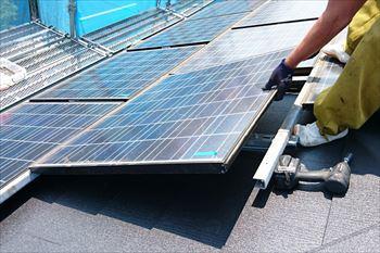 14.太陽光パネルを再度取り付け