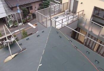 立川市 ガルバリウム鋼板 本体張り終了