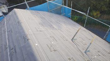 大屋根の下葺き材張り