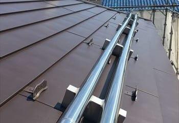 太陽光パネルの配管
