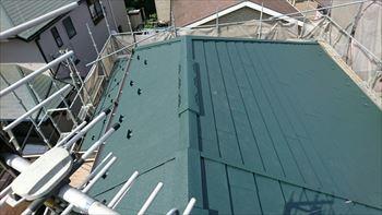 屋根全体に貼り付けが完了
