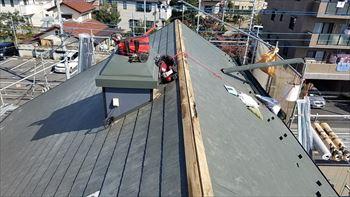 杉並区の屋根カバー工法開始