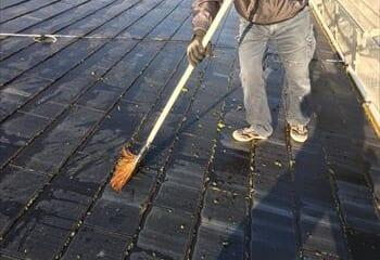 屋根面の掃除