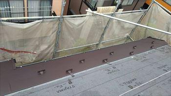 ガルバリウム屋根の取り付け