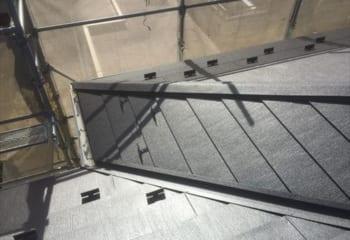 大屋根の金属屋根葺き