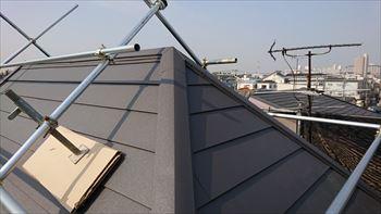 大阪市住吉区 棟板金の交換と急勾配屋根リフォーム 完了