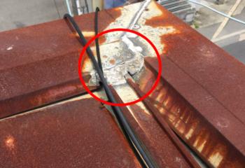金属屋根をシーリングで補修