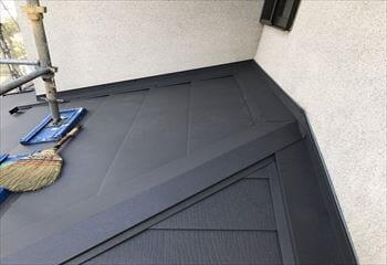 下屋根の本体張り完成