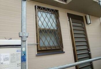 金属サイディング 窓枠廻りの完成画像