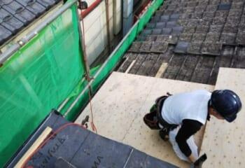 テイガク屋根修理の職人さん