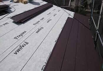 金属屋根本体の施工