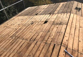 屋根リフォーム工事開始 既存瓦棒撤去
