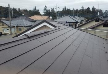 春日部市のカバー工法による雨漏り屋根リフォーム完成です