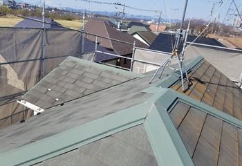 既存のコロニアル屋根