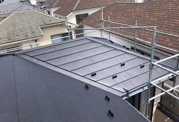 世田谷区のパミール屋根カバー工法リフォームが完成です