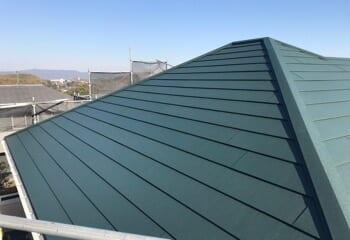 四條畷市の葺き替えによる屋根リフォームが完成です!