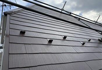 シリコン系塗料を使った屋根塗装工事の施工後写真