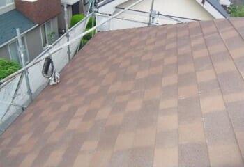 アスファルトシングルによる屋根カバー工法の施工後