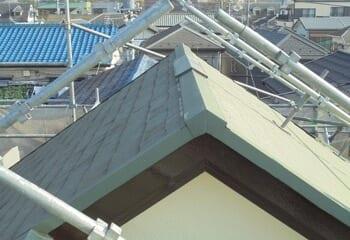 コロニアルをガルバリウム鋼板に葺き替える工事の施工前写真