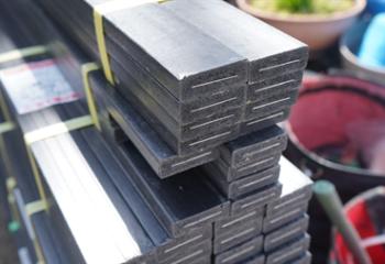 アルミ芯入り樹脂胴縁を使用