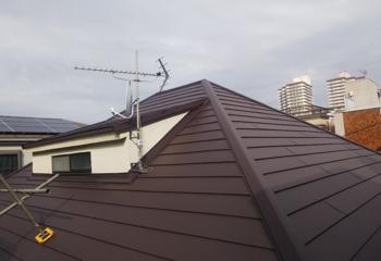 堺市美原区の葺き替えによる屋根リフォームが完成